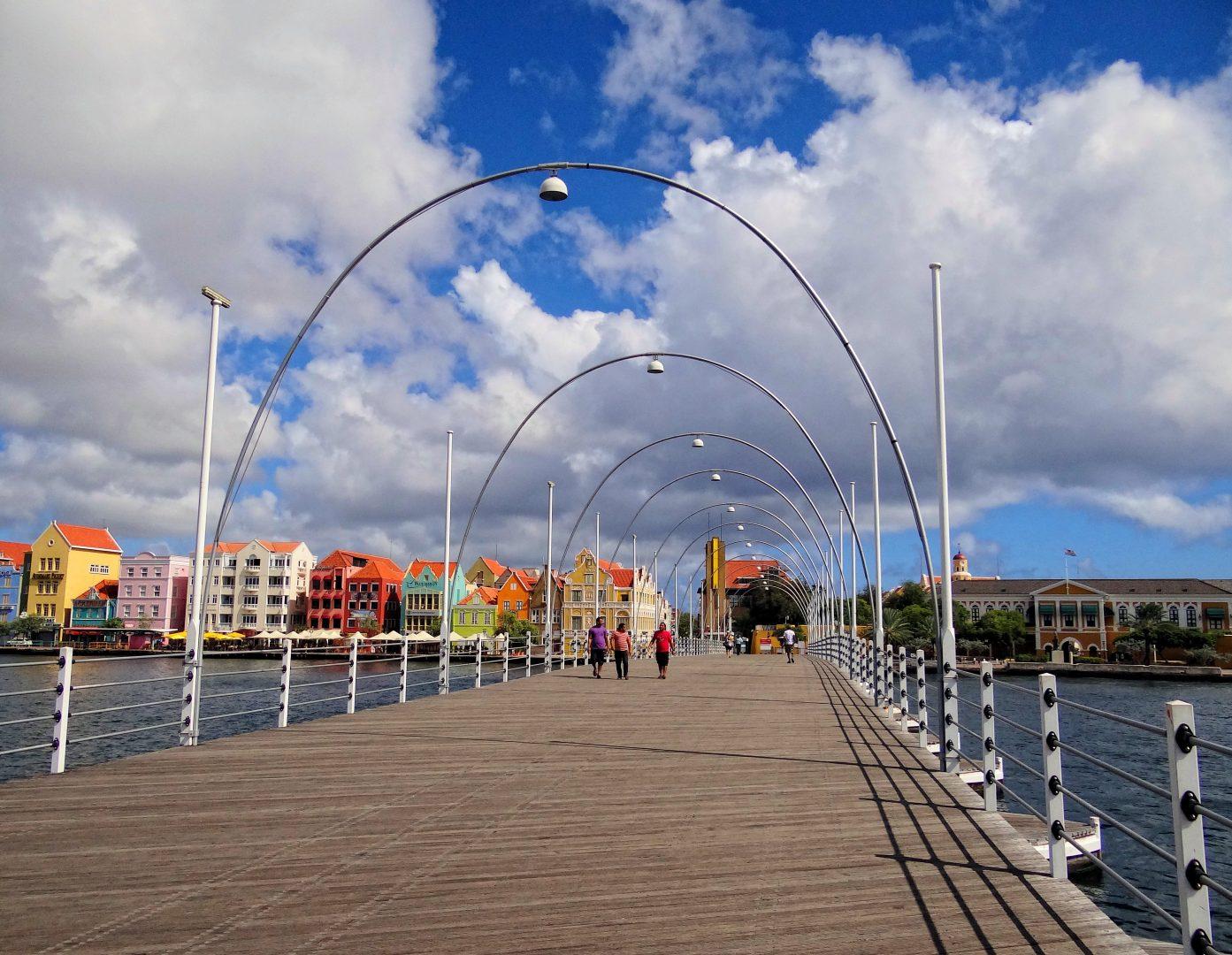 Queen Emma Bridge, Willemstad, Curaçao