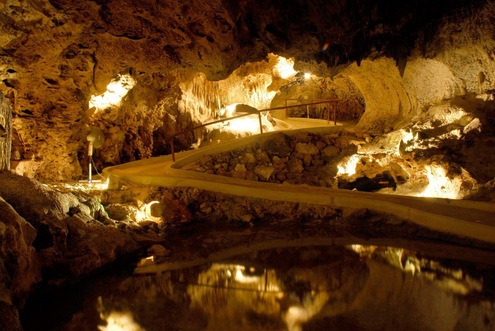 Hato Caves, Curaçao