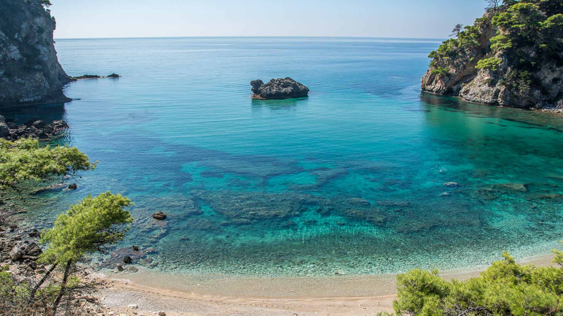 Alonaki Beach